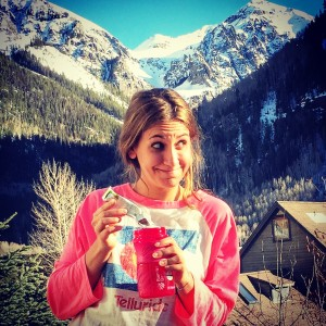 apres-skiing with coconut water packets